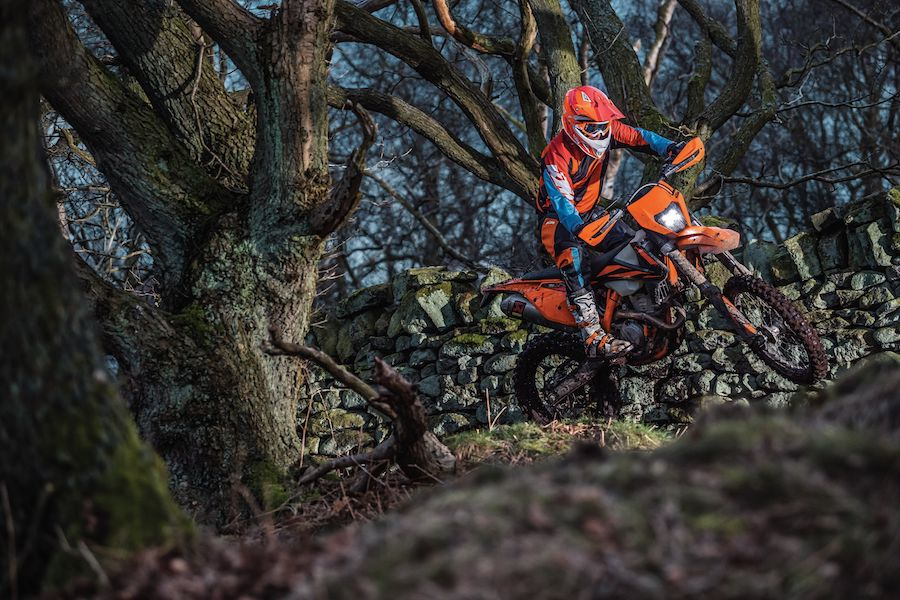 Action KTM 350 EXC F MY2019 02