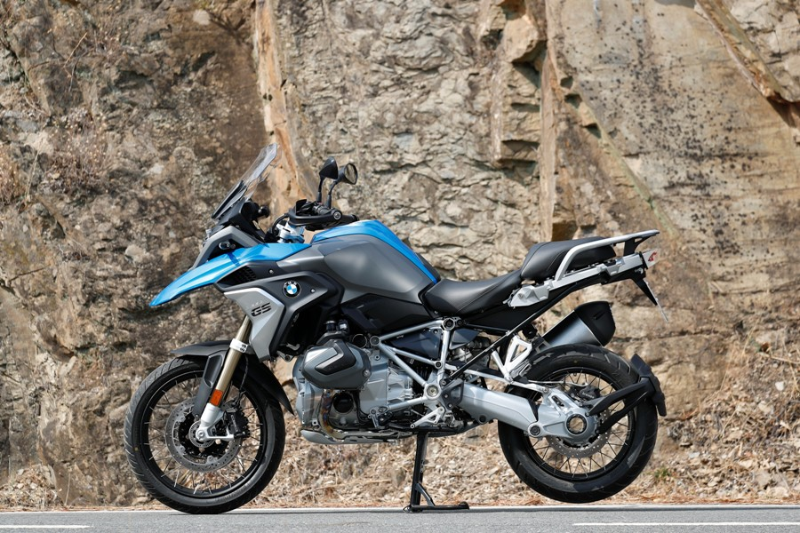 P90322808 highRes bmw r 1250 gs cosmic