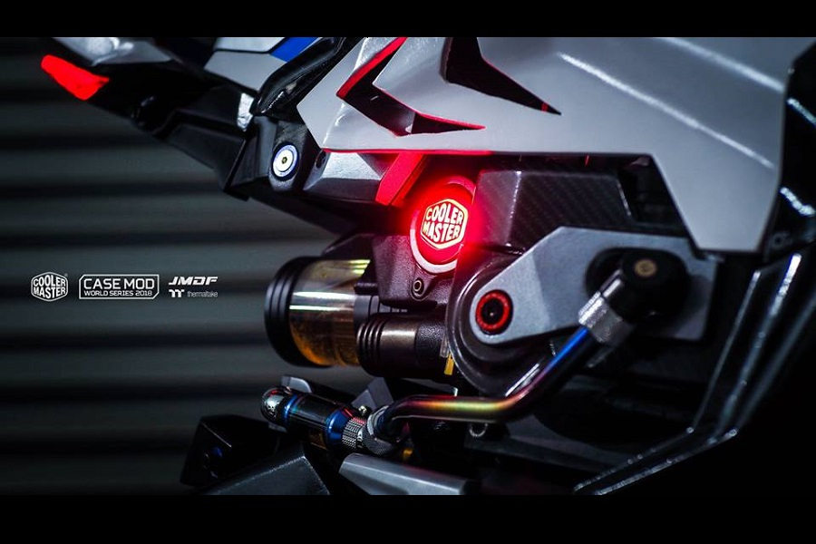 BMW HP4 RACE PC 7