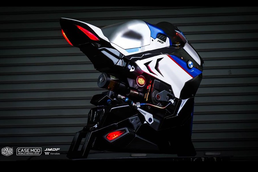 BMW HP4 RACE PC 9