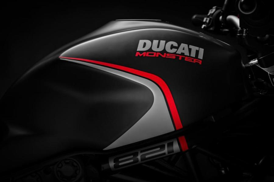 ducati moster 821 stealth 4