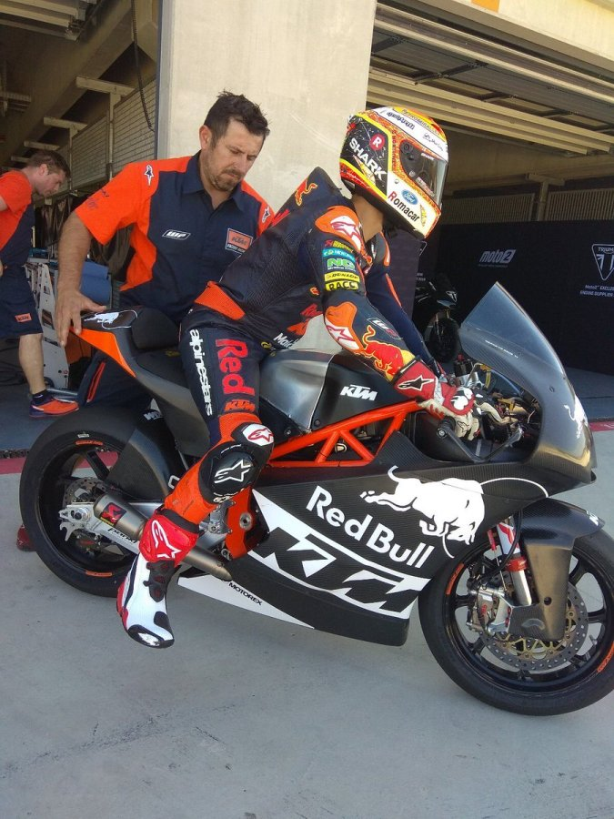triumph engine moto2 aragon test 2