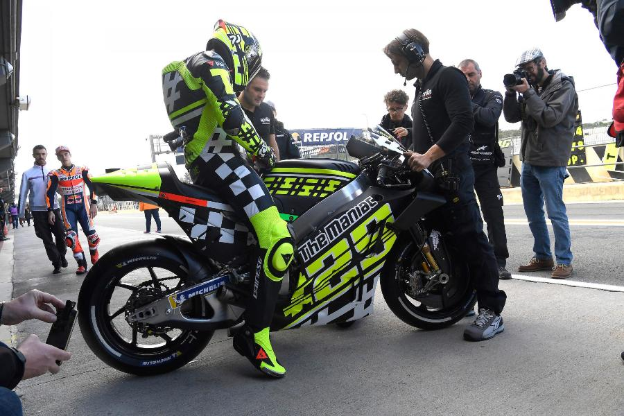 motogp test valencia day one 26