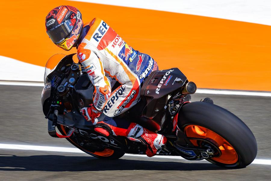 motogp test valencia day one 9