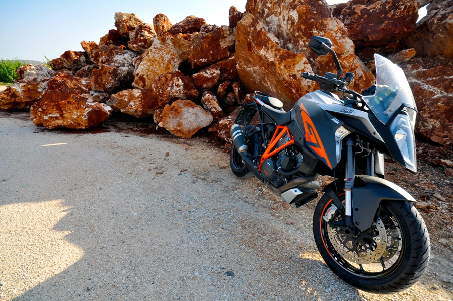 KTM SUPER DUKE GT ACT ST 2