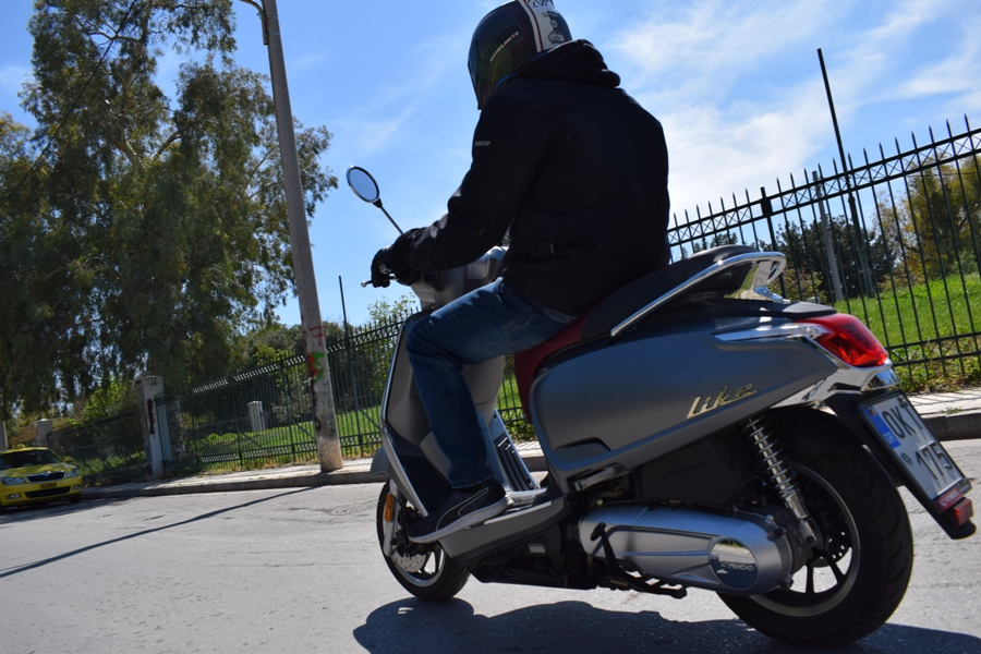 kymco like ii 125 action 9