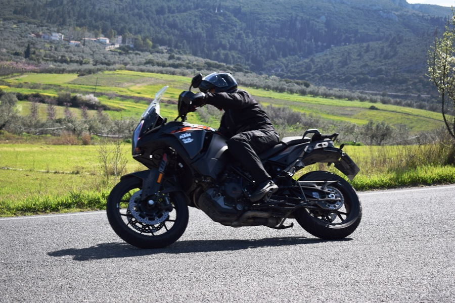 KTM 1290 Super Adventure S action 6
