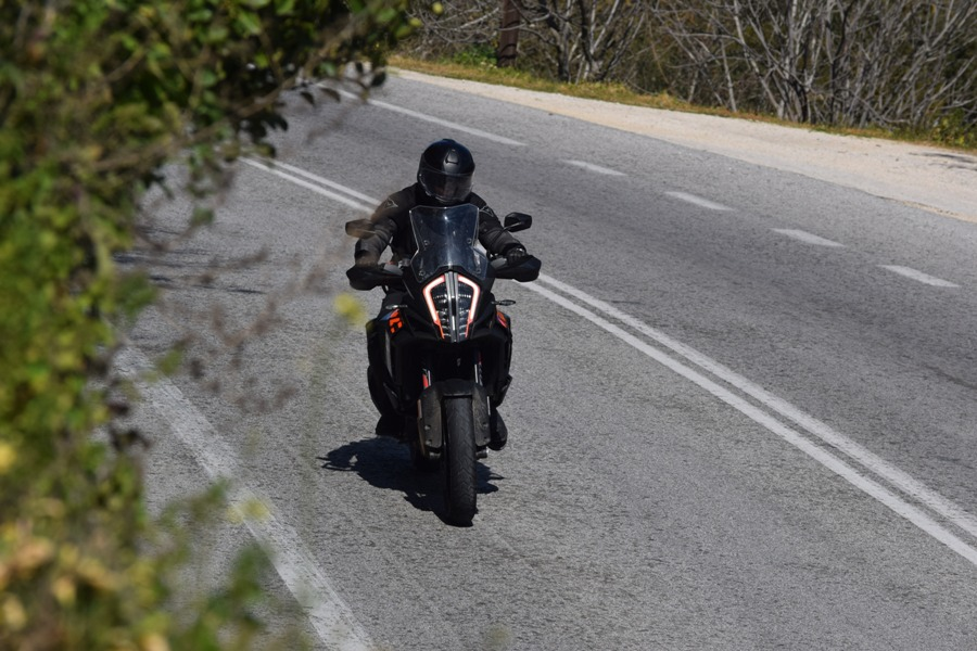 KTM 1290 Super Adventure S action 9