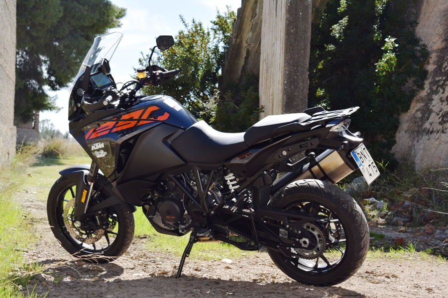 KTM 1290 Super Adventure S static 3