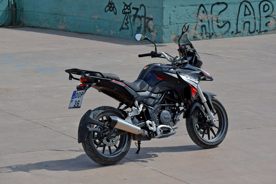 benelli trk 251 ambience 3